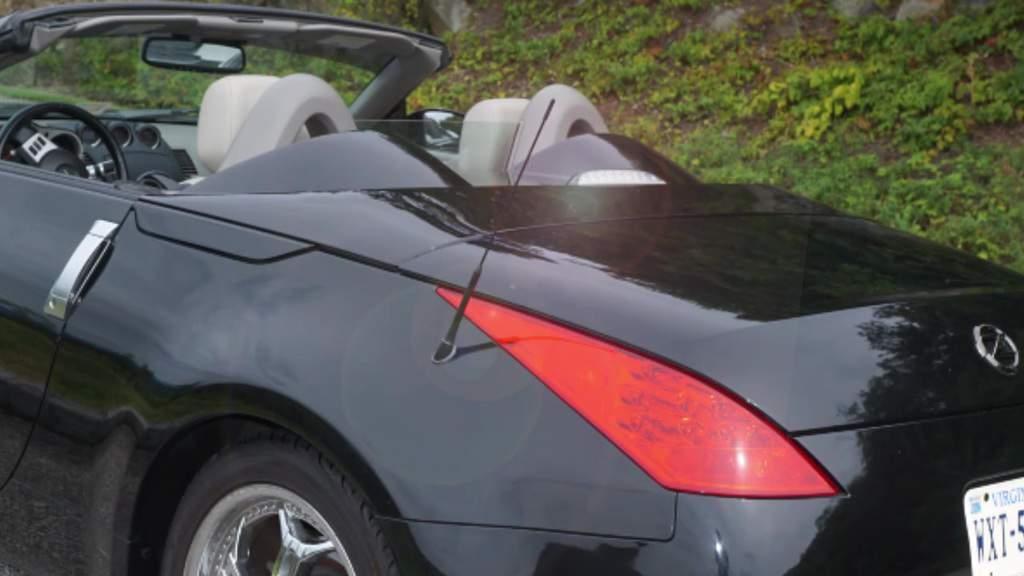 Replacing High Brake Light (High Mount Lamp) on 2007 Nissan 350Z Convertible